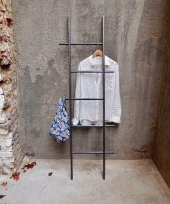 Kleiderleiter in Stahl
